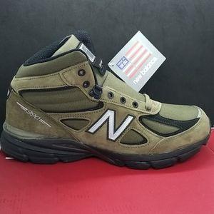 ❄ New Balance 990V4 Boots - Olive Sizes 10.5 & 12M